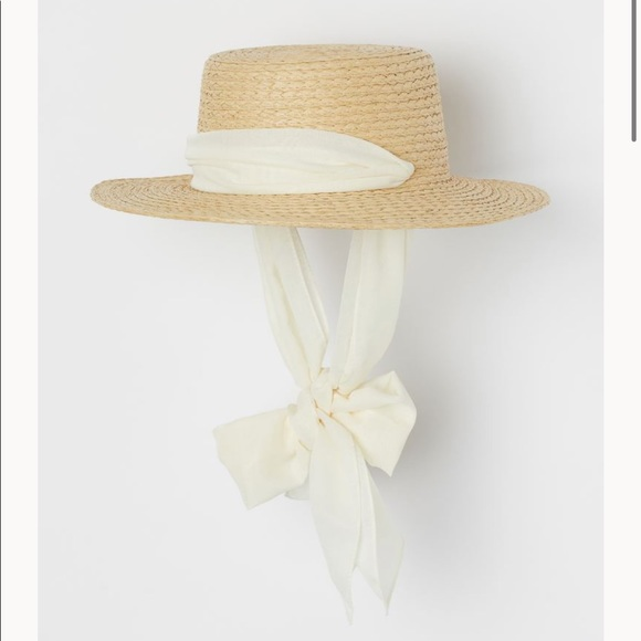 H&M Accessories - H&M Chin Tie Straw Sun Hat 👒